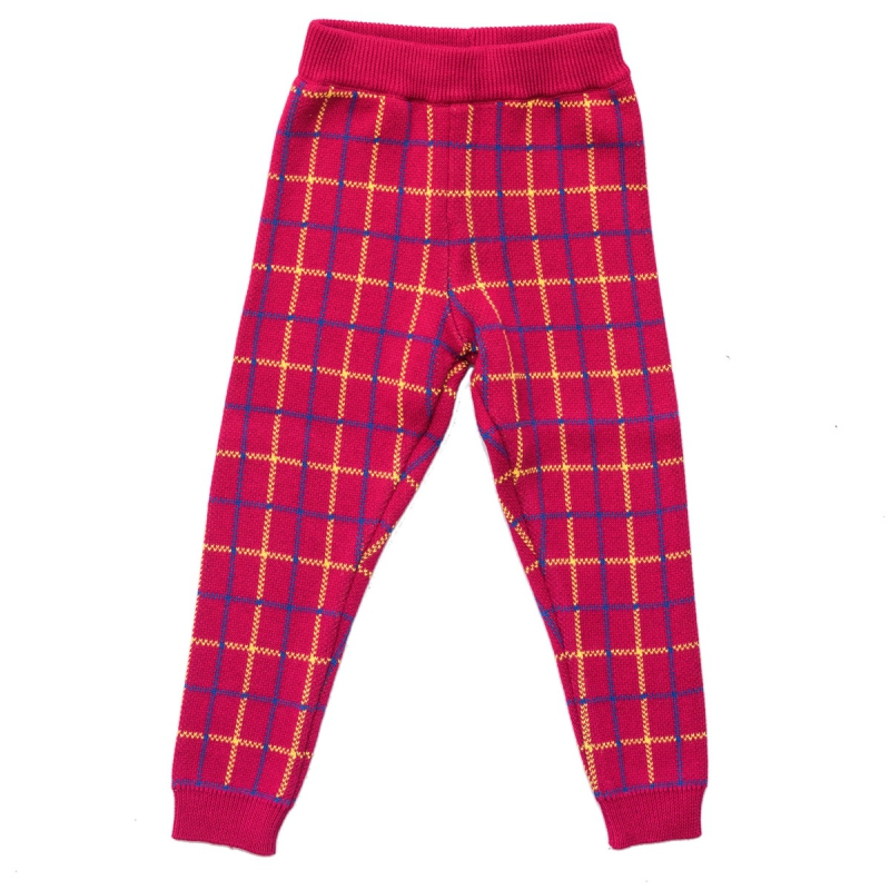 Jacquard set Tales of Scotland in red color
